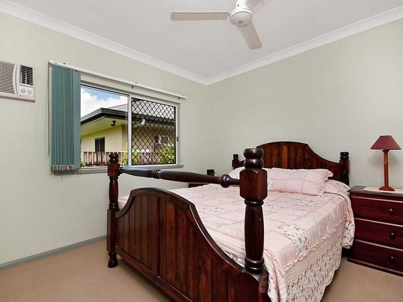 7 Jarrad Close, Mooroobool QLD 4870