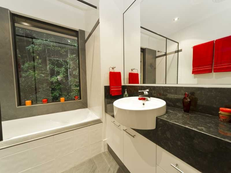 22 Oceanview Place, Mooroobool QLD 4870