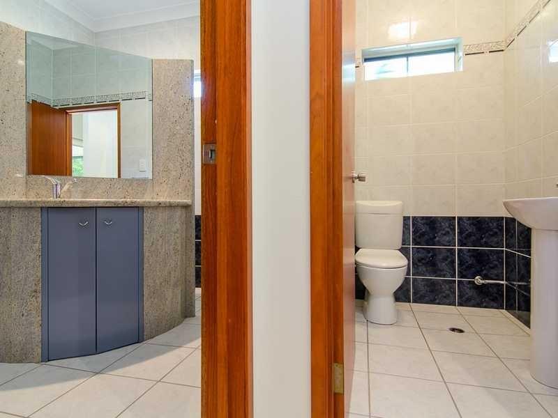 26 Koppen Terrace, Mooroobool QLD 4870