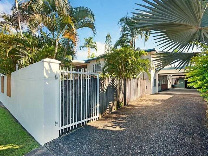 101 Callaghan Street, Mooroobool QLD 4870