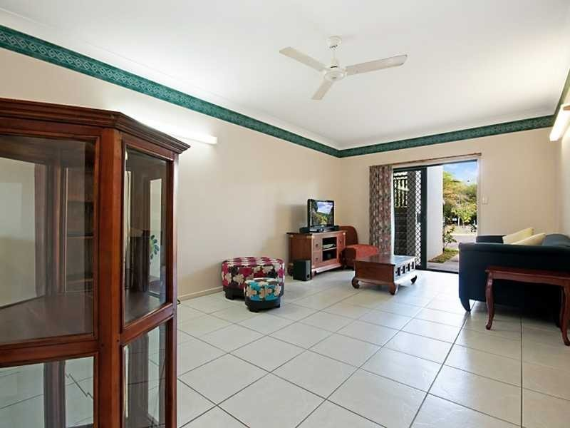 1/10 Ingham Court, Mooroobool QLD 4870