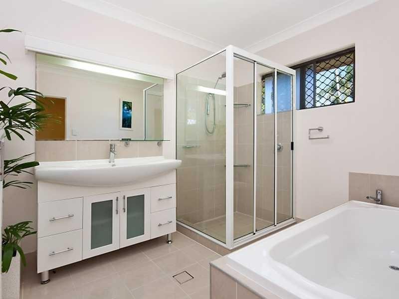 15 Grevillea Street, Mooroobool QLD 4870