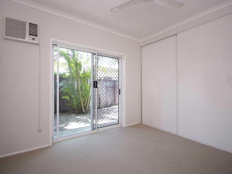 3/354 Mccoombe Street, Mooroobool QLD 4870
