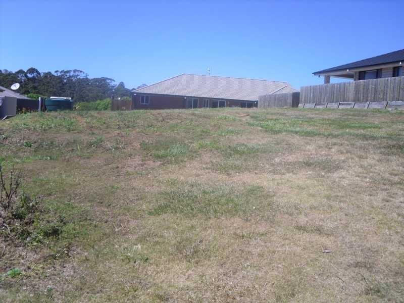 1 Cooee Court, Coes Creek QLD 4560