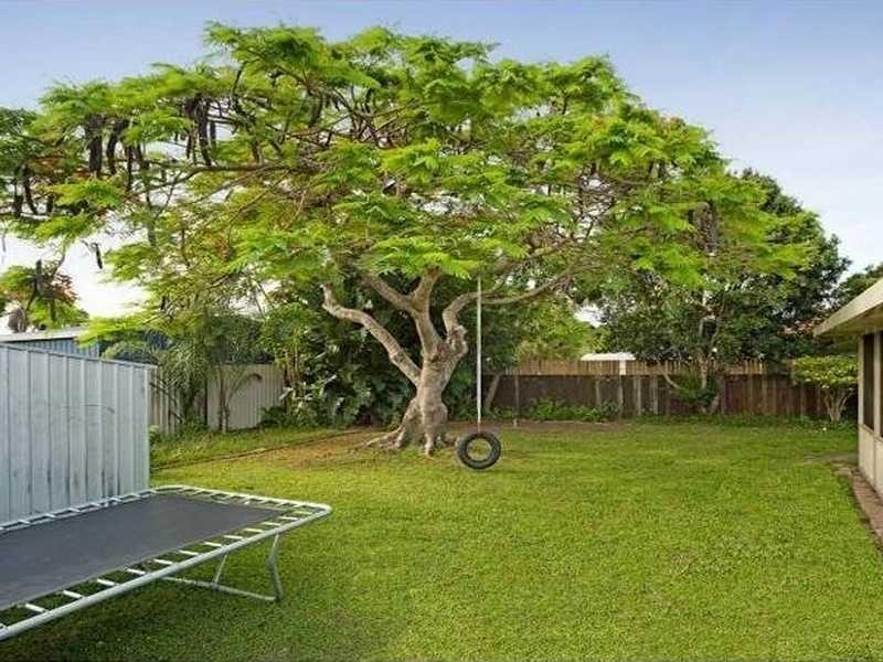 18 Wendoree Way, Coombabah QLD 4216