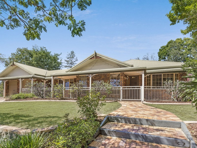8 Boxthorn Street, Bellbowrie QLD 4070