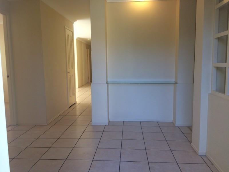 5 Ballard Place, Westlake QLD 4074