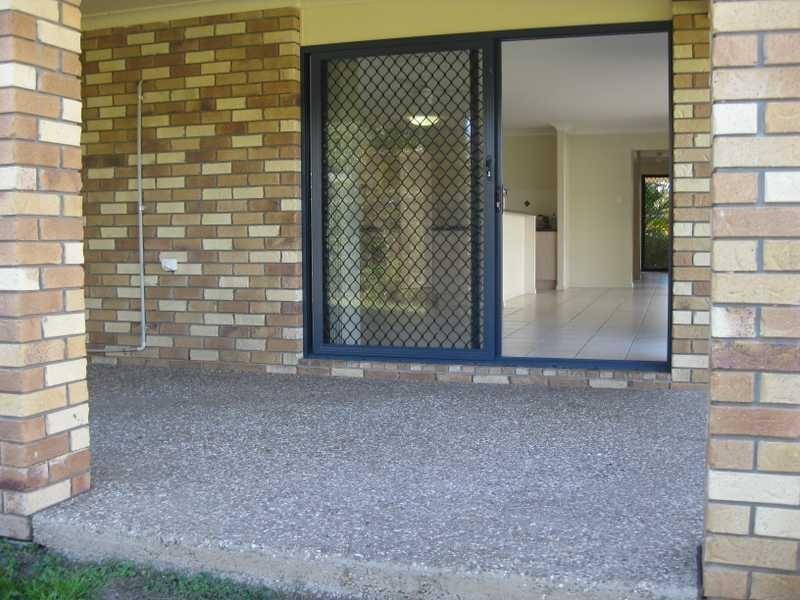 34 Goldencrest Pl, Bellbowrie QLD 4070