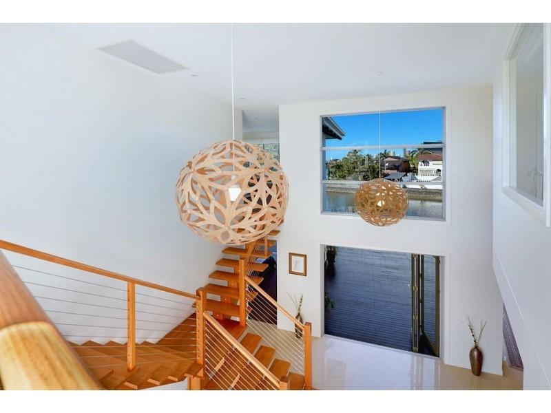 15 Cedar Place, Broadbeach Waters QLD 4218