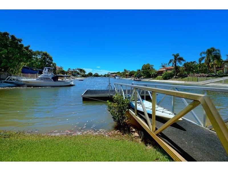 5 Hoy Street, Broadbeach Waters QLD 4218