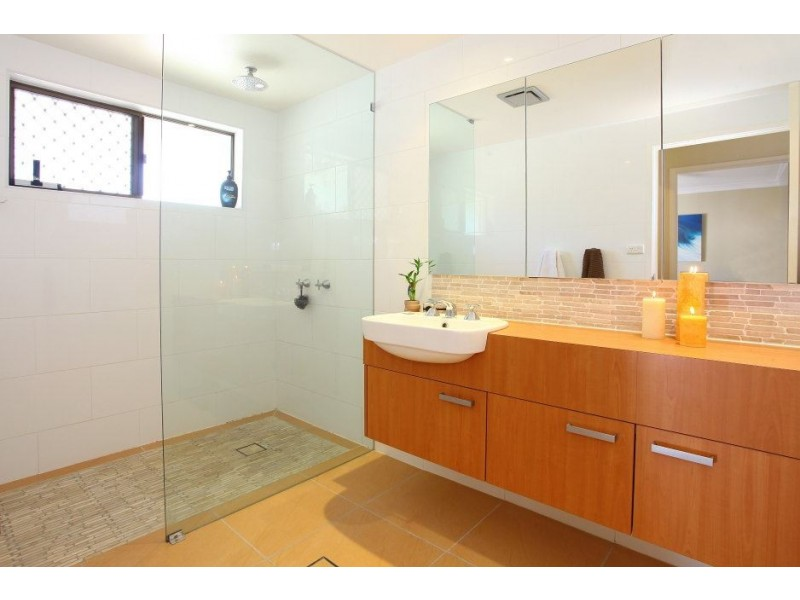 31 Balfour Crescent, Highland Park QLD 4211