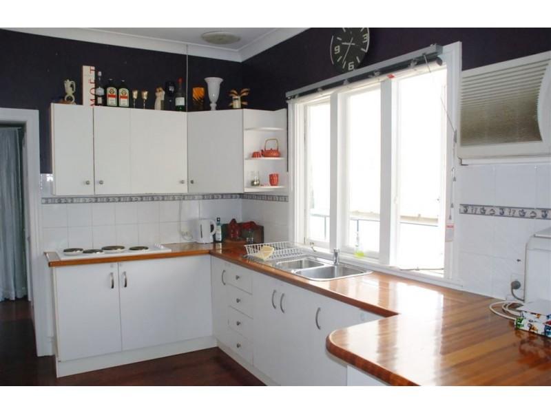 8 Addison Rd, Camira QLD 4300