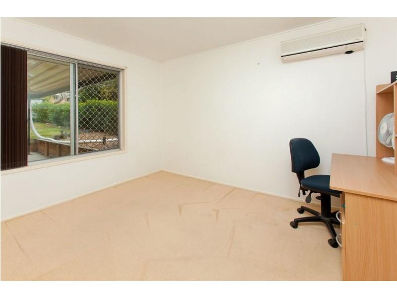 8 Lorraine Street, Camira QLD 4300