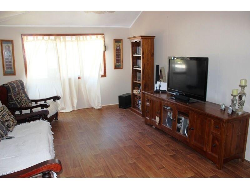 158 McIntyre Street, Calen QLD 4798