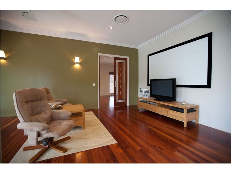 30 Blue Wing Boulevard, Araluen QLD 4570