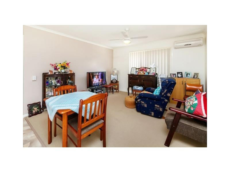 21/2 College Road, Southside QLD 4570