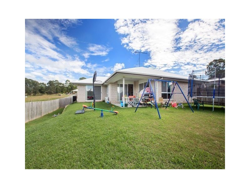 9 Eaglehawk Drive, Southside QLD 4570