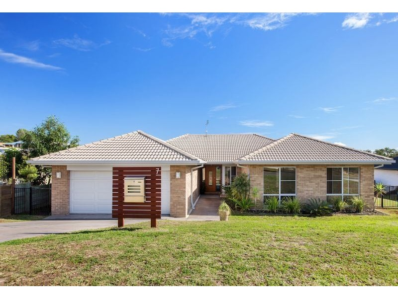 7 Callistemon Court, Southside QLD 4570