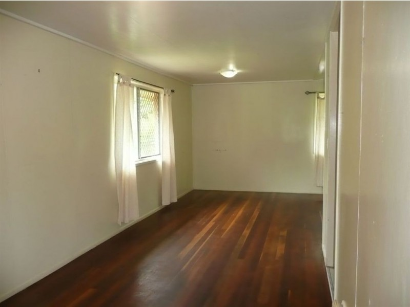 8 Bellis Street, Daisy Hill QLD 4127