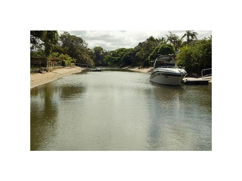45 Poinciana Blvd, Broadbeach Waters QLD 4218