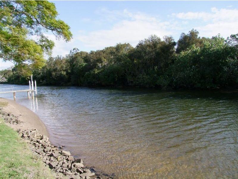 15 Costa Court, Broadbeach Waters QLD 4218