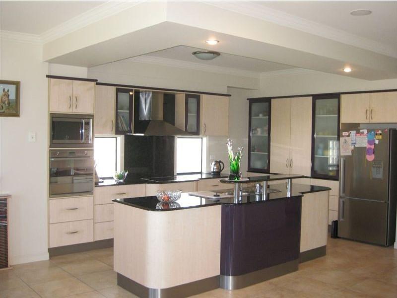 20 Merrimac Boulevard, Broadbeach Waters QLD 4218