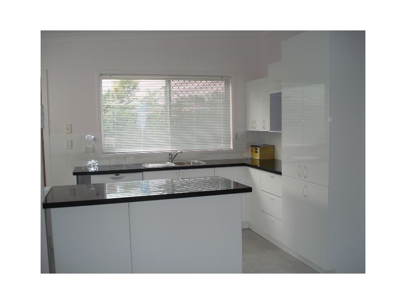 14 Allambi Avenue, Broadbeach Waters QLD 4218