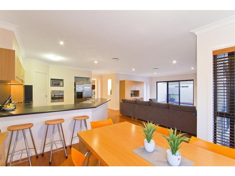 34 Sunshine Boulevard, Broadbeach Waters QLD 4218