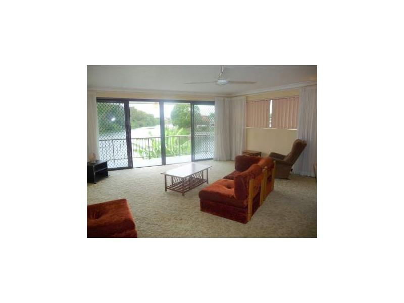 3&4/23 Miami Key,, Broadbeach Waters QLD 4218
