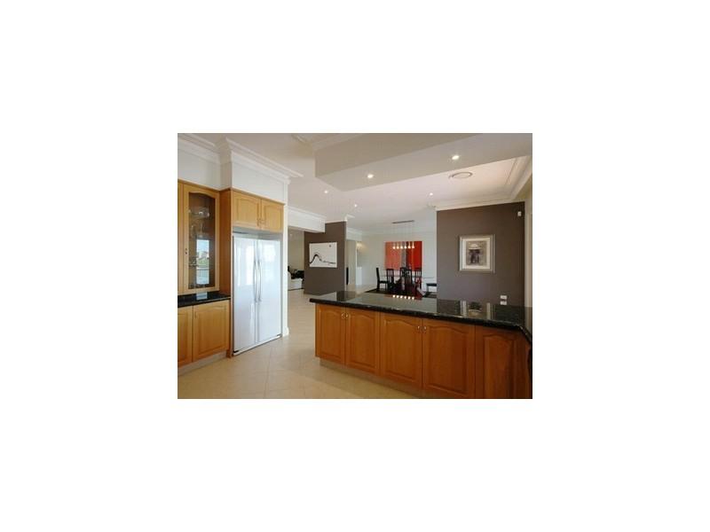 9 Namatjira Court, Broadbeach Waters QLD 4218