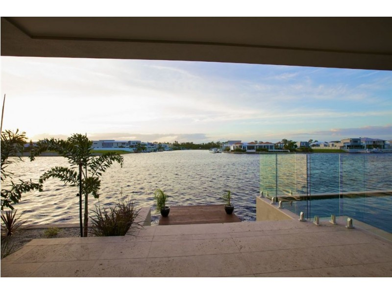 41 Bellanboe Cct, Pelican Waters QLD 4551