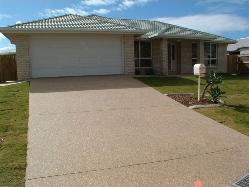 4 Campbellville Court, Pelican Waters QLD 4551