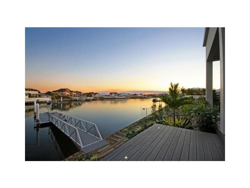 1 Sea Glint Place, Pelican Waters QLD 4551