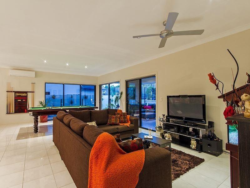 6 Abercrombie Cresent, Upper Coomera QLD 4209