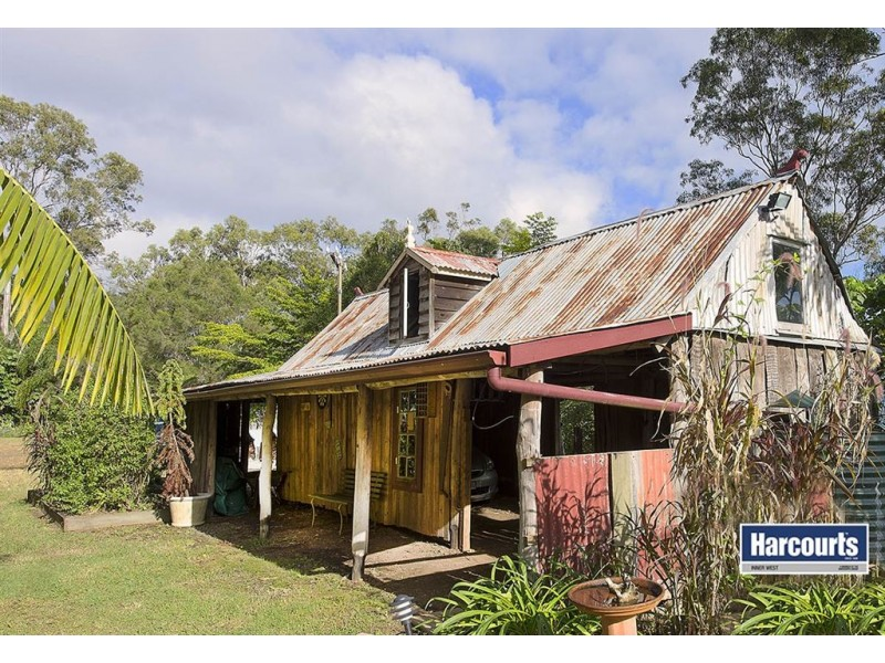 1093 Mt Nebo Road, The Gap QLD 4061