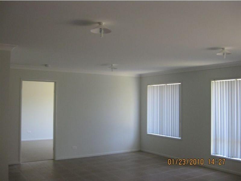 38 Eric Drive, Blackstone QLD 4304