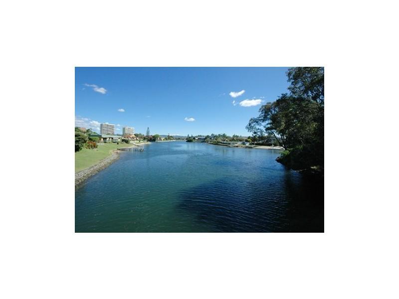 55 Sunshine Blvd, Broadbeach Waters QLD 4218