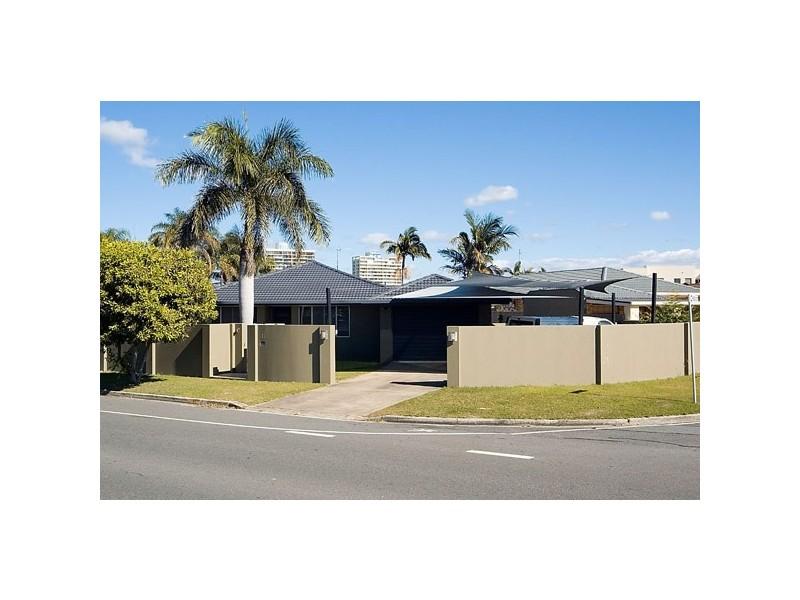 51 Sunshine Boulevard, Broadbeach Waters QLD 4218