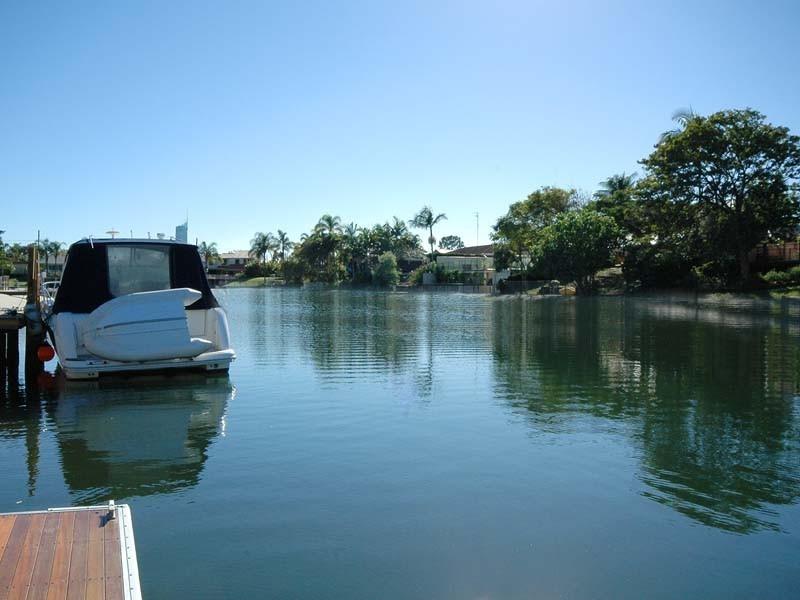 98 Clear Island Road, Broadbeach Waters QLD 4218
