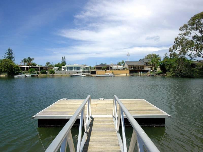 23 Kalimna Drive, Broadbeach Waters QLD 4218