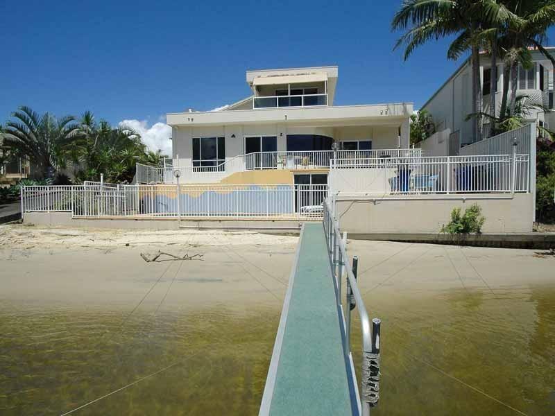 20 Bal Harbour, Broadbeach Waters QLD 4218