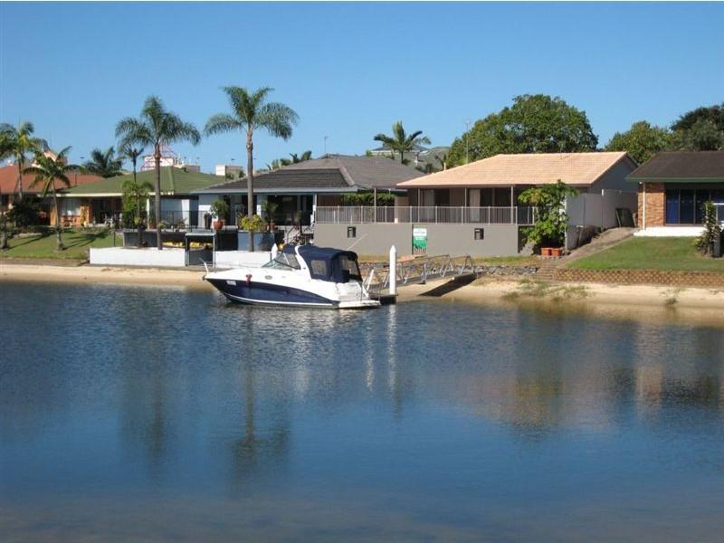 8 Rebecca Court, Broadbeach Waters QLD 4218