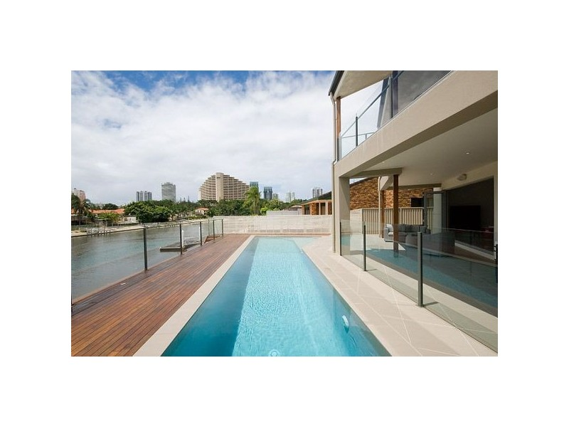 4 Rebecca Court, Broadbeach Waters QLD 4218