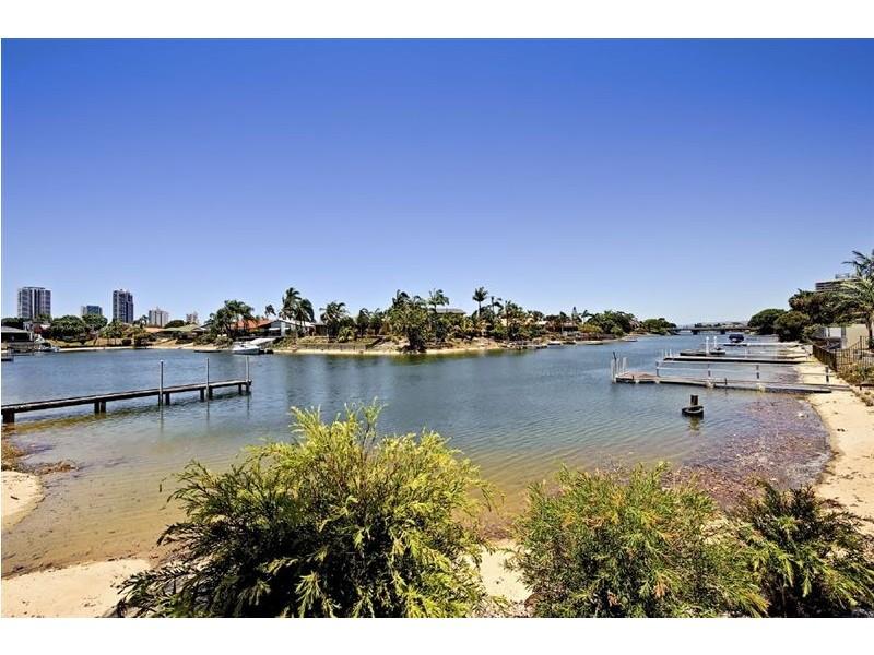 38 Merrimac Boulevard, Broadbeach Waters QLD 4218