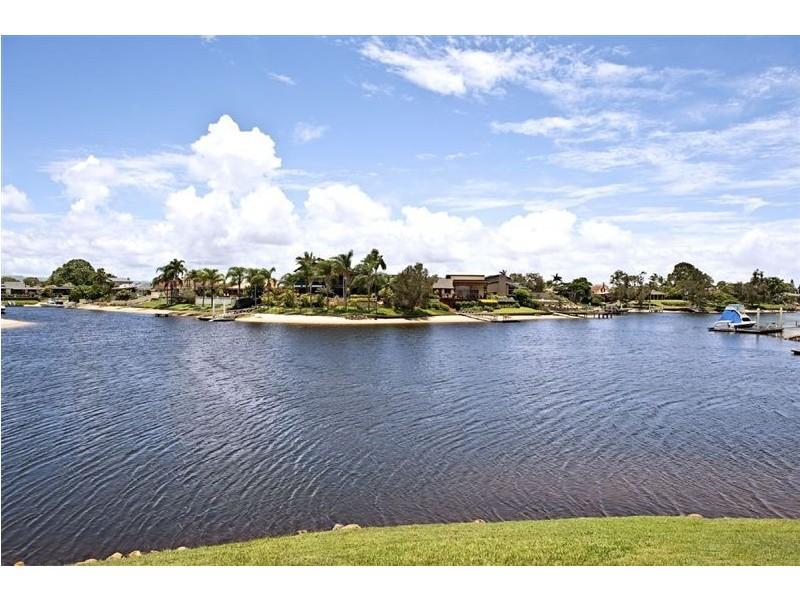 2 Cypress Drive, Broadbeach Waters QLD 4218