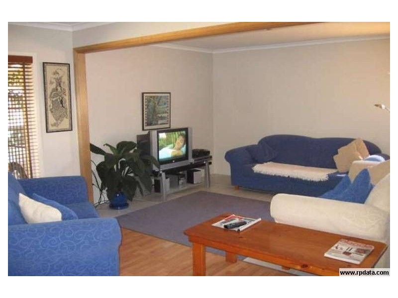 9 Costa Court,, Broadbeach Waters QLD 4218