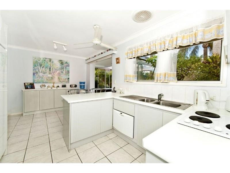 7 Coobowie Street,, Broadbeach Waters QLD 4218
