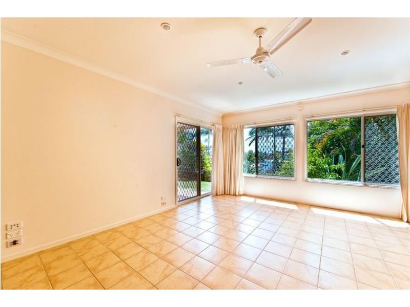 1 Huon Street, Broadbeach Waters QLD 4218