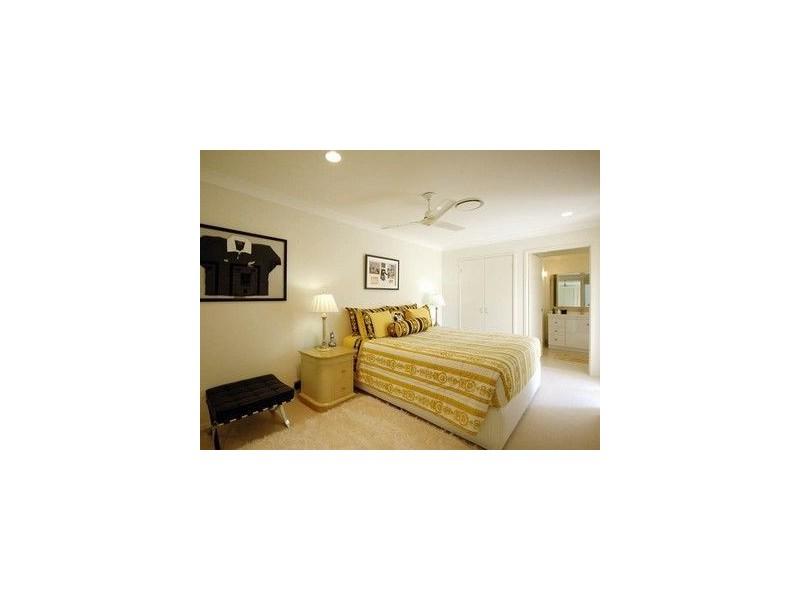 343 Monaco Street, Broadbeach Waters QLD 4218