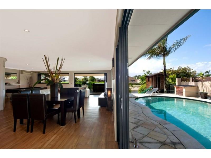 11 Cypress Drive West, Broadbeach Waters QLD 4218